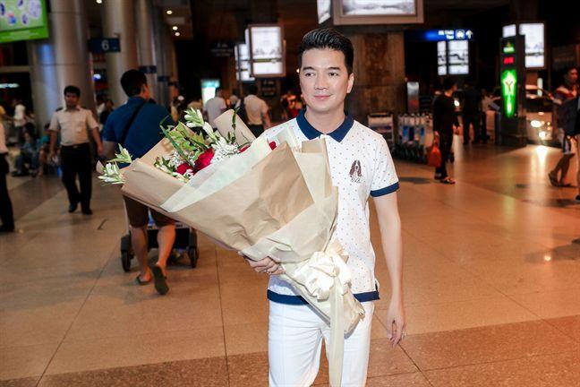 Dam Vinh Hung, Huong Lan hoa giong de ton vinh nghe si san khau tai hoa mien Nam - Anh 1