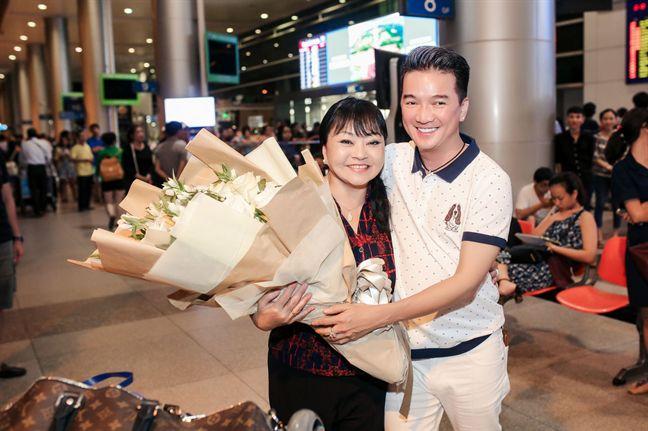 Dam Vinh Hung, Huong Lan hoa giong de ton vinh nghe si san khau tai hoa mien Nam - Anh 2