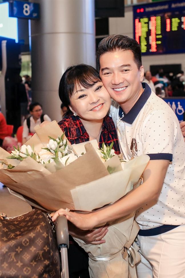 Dam Vinh Hung, Huong Lan hoa giong de ton vinh nghe si san khau tai hoa mien Nam - Anh 3