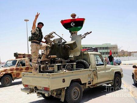 Libya hua se tieu diet IS neu duoc go bo lenh cam van vu khi - Anh 1