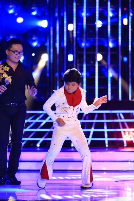Guong mat than quen nhi 2015 tap 4: Minh Khang da chan het Elvis Presley - Anh 2