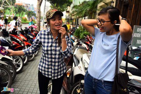 Trieu phu ve chai Sai Gon bat khoc khi nhan hon 200 trieu - Anh 1
