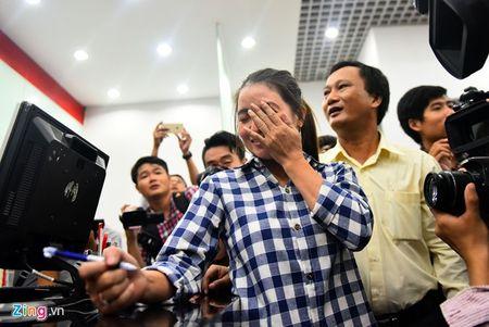 Trieu phu ve chai Sai Gon bat khoc khi nhan hon 200 trieu - Anh 3