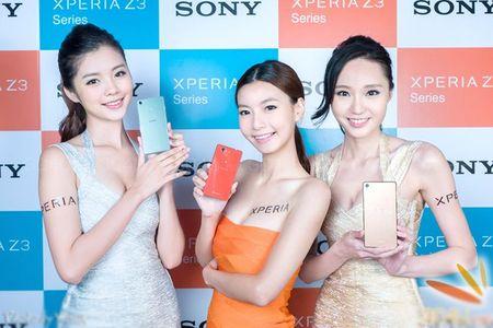 Nhung my nu nong bong khoe smartphone - Anh 1