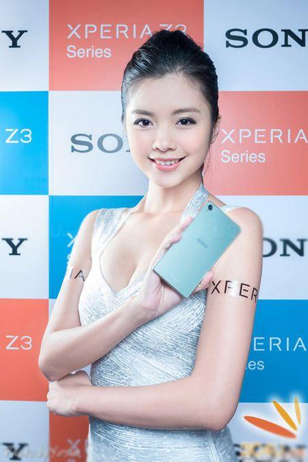 Nhung my nu nong bong khoe smartphone - Anh 5