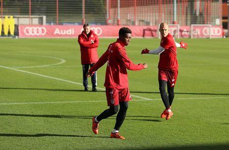 Arjen Robben tro lai tap luyen cung Bayern - Anh 1