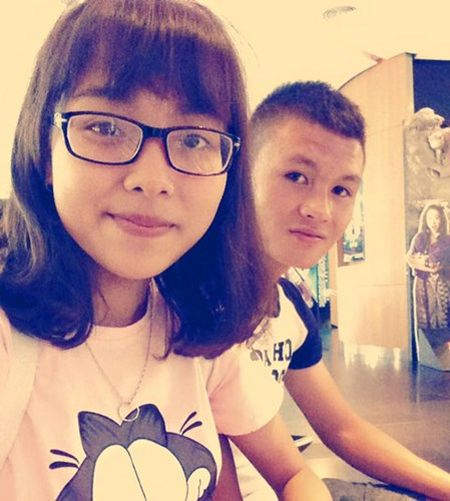 Chuyen tinh tuoi teen cua tien ve U19 Viet Nam - Anh 8