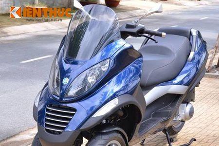 Moto PKL 3 banh Piaggio MP3 250 lan banh tren pho Viet - Anh 3