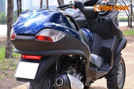 Moto PKL 3 banh Piaggio MP3 250 lan banh tren pho Viet - Anh 6