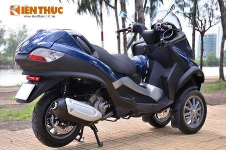 Moto PKL 3 banh Piaggio MP3 250 lan banh tren pho Viet - Anh 8