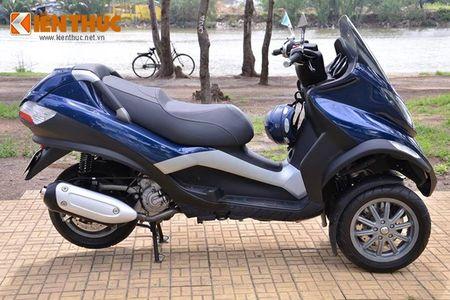 Moto PKL 3 banh Piaggio MP3 250 lan banh tren pho Viet - Anh 9