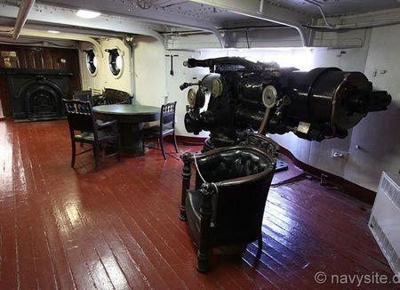 Kham pha noi that tuan duong ham bao ve USS Olympia - Anh 10