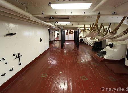 Kham pha noi that tuan duong ham bao ve USS Olympia - Anh 12