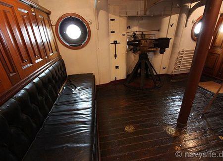 Kham pha noi that tuan duong ham bao ve USS Olympia - Anh 13