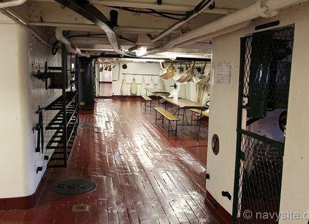 Kham pha noi that tuan duong ham bao ve USS Olympia - Anh 6