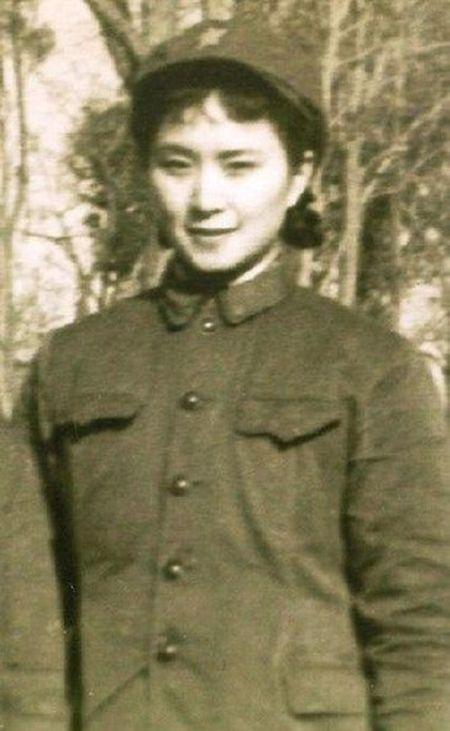 Bi mat ba nguoi dep la ban nhay cua Mao Trach Dong - Anh 1