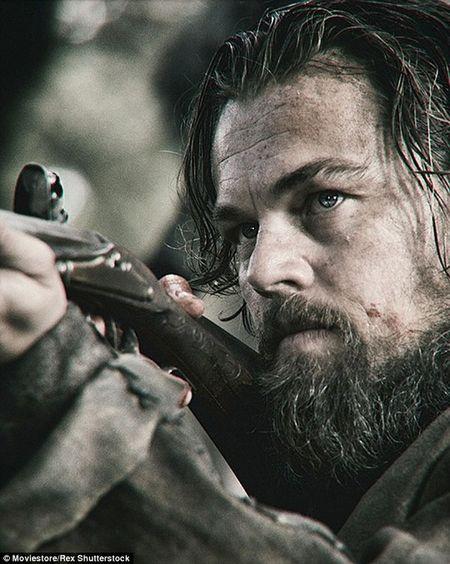 Leonardo DiCaprio an gan bo song, ngu trong xac dong vat - Anh 1