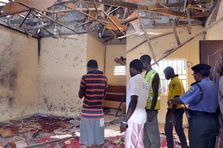 Hon 120 nguoi thuong vong trong vu no o Bac Nigeria - Anh 1
