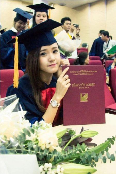 Lo dai gia luon theo sat Midu sau scandal voi Phan Thanh - Anh 2