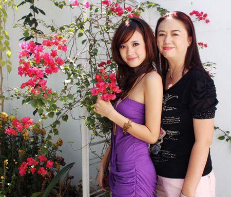 Lo dai gia luon theo sat Midu sau scandal voi Phan Thanh - Anh 7