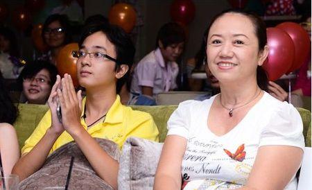 Lo dai gia luon theo sat Midu sau scandal voi Phan Thanh - Anh 8