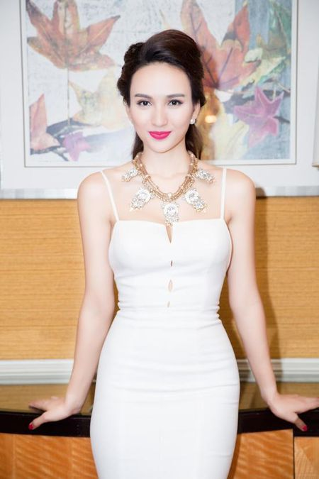 Cuoc song lam me don than dang kham phuc cua hoa hau Ngoc Diem - Anh 4