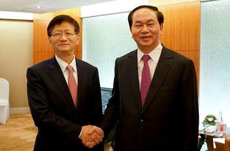 Bo truong Tran Dai Quang hoi kien dong chi Manh Kien Tru va hoi dam voi Bo truong Quach Thanh Con - Anh 1