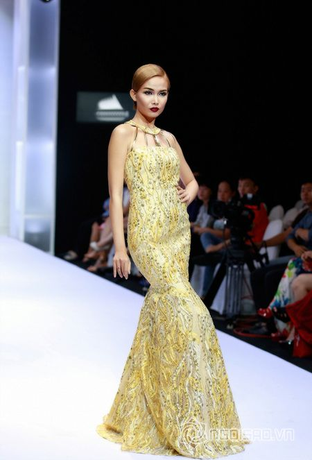 Mai Giang khoe ve dep ca tinh day cuon hut trong trang phuc cuoi - Anh 13