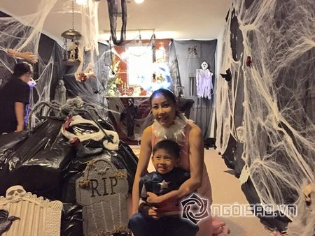 Hoa hau Ha Kieu Anh va vo cu Bang Kieu don le Halloween som - Anh 3