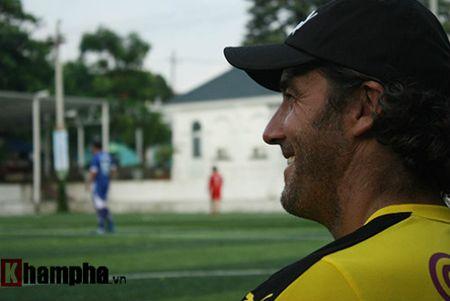 Fan nu Viet xinh tuoi ben huyen thoai cua Dortmund - Anh 3