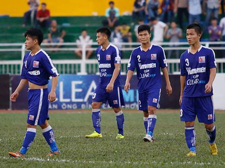 Giai U21 Clear Men Cup: Dan cau thu tre bau Duc thua soc - Anh 9