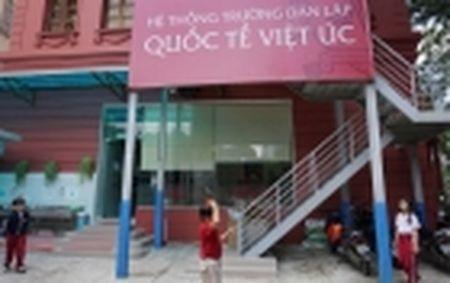 Phan Huyen Thu dao tho: Hoi Nha van Ha Noi nhan loi, tap tho dung phat hanh - Anh 4