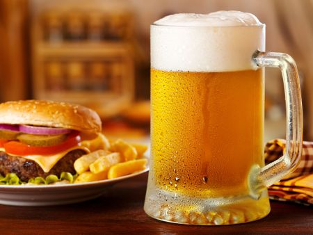 Meo hay phan biet bia ngon nen biet - Anh 1