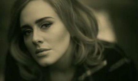 Nhieu nghe si da khoc khi nghe ca khuc 'Hello' cua Adele - Anh 1