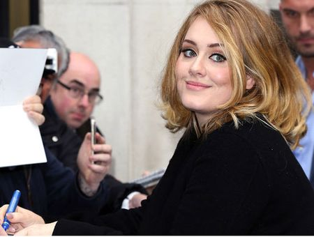 Nhieu nghe si da khoc khi nghe ca khuc 'Hello' cua Adele - Anh 4