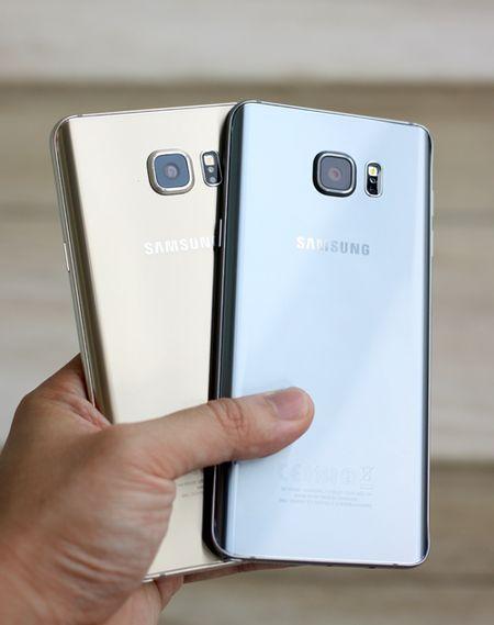 Galaxy Note 5 mau bac vua len ke o Viet Nam - Anh 7
