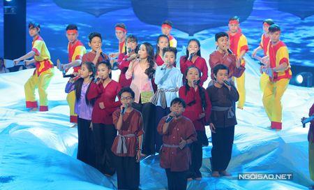 Hong Minh dang quang Quan quan Giong hat Viet nhi - Anh 13