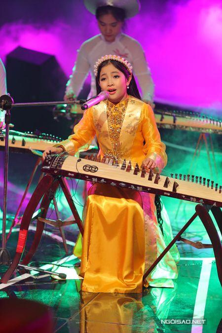 Hong Minh dang quang Quan quan Giong hat Viet nhi - Anh 6