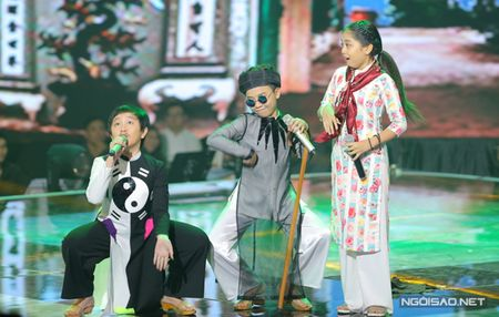 Hong Minh dang quang Quan quan Giong hat Viet nhi - Anh 9