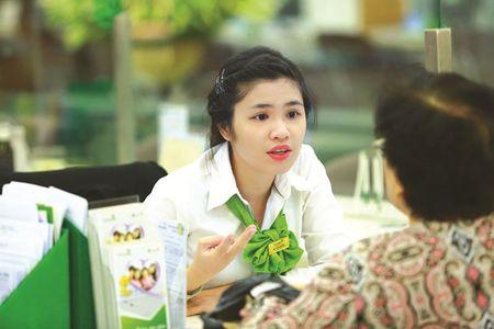 Vietcombank-Cardif danh 50 trieu dong ung ho tre em ngheo - Anh 1