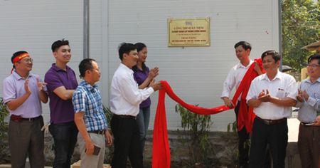 CBCC nganh Chung khoan tang truong hoc cho vung cao Ha Giang - Anh 1