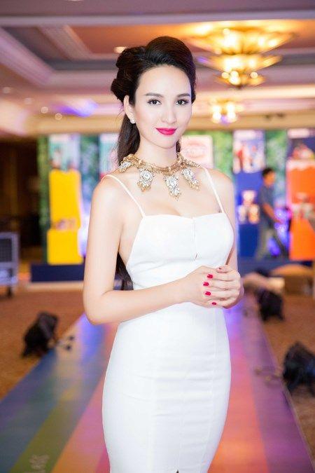 Hoa hau Ngoc Diem dien dam hai day, khoe vong 1 day goi cam - Anh 7