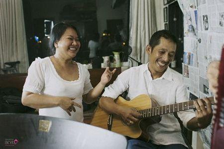 """""""Bo mac"""" can benh ung thu vu, me con Phuong Vy Idol thoa suc choi dua cung gia dinh - Anh 5"""