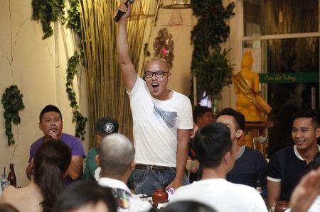 Ngoc Trinh hao hung khoe giong trong tiec dong may 'Vong eo 56' - Anh 11
