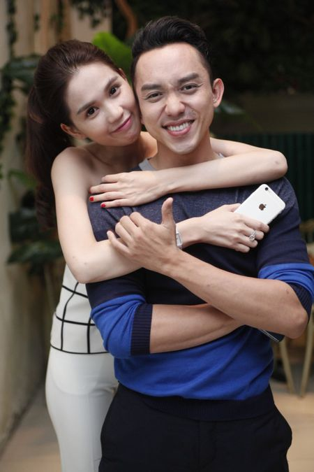 Ngoc Trinh hao hung khoe giong trong tiec dong may 'Vong eo 56' - Anh 9