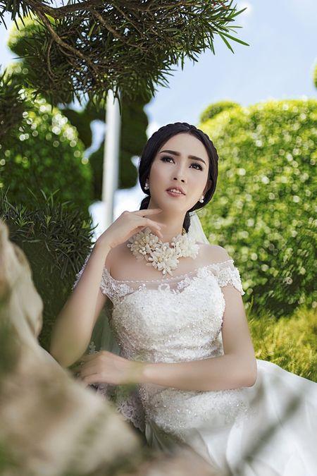 Ngam Phan Thi Mo quyen ru dien vay cuoi - Anh 8