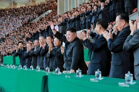 Ong Kim Jong-un muon dang cai World Cup, The van hoi Olympic - Anh 1