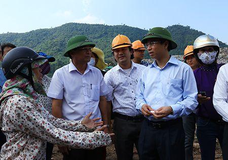 Bi thu Da Nang Nguyen Xuan Anh thi sat, nghe y kien dan - Anh 1