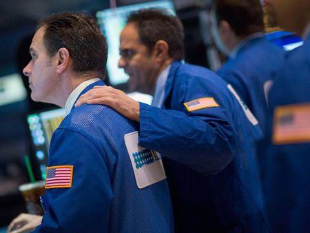 S&P 500 co thang tuyet voi nhat trong 4 nam qua - Anh 1