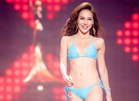 Le Quyen trinh dien bikini noi bat tai Hoa hau Hoa binh Quoc te - Anh 1
